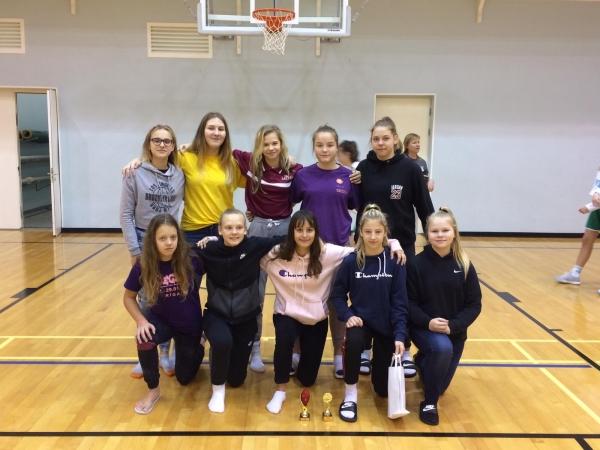 LSSS U14 basketbolistes atgriežas no sacensībām Igaunijā