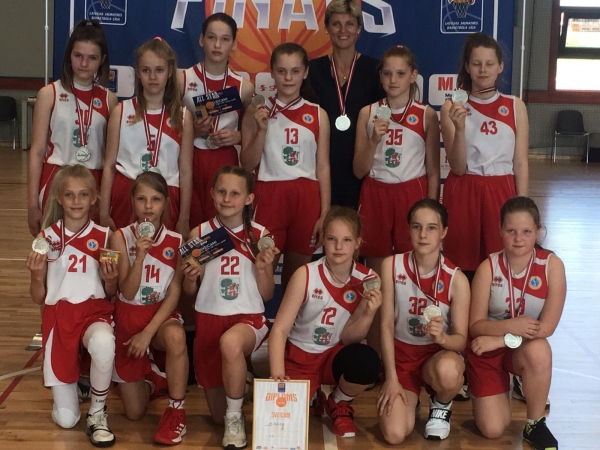 U12 basketbolistēm sudrabs